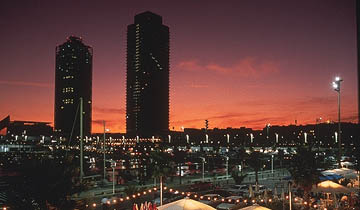 puerto olimpico noche
